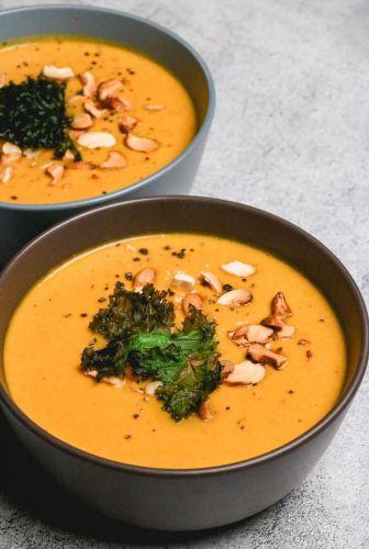 Creamy Pumpkin Cashew Soup