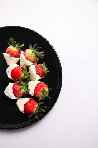 Goodness Gang Kids Recipe – Frozen Strawberry Yoghurt Bites